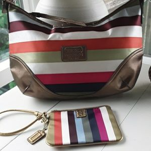 COACH SHOULDER PURSE WITH WALLET WRISTLET INCLUDED